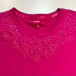 🔆 NWOT Alia Tee with Embroidery/Bling